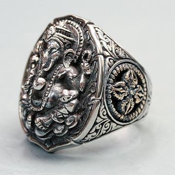 ソカロ指輪1