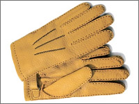 a2ae562c47a2 革手袋の中でもペッカリーグローブで有名な、英国の高級手袋ブランド。レザーグローブは上品で落ち着いた大人らしい印象があります。 お値段も5万円 程度と本格的。
