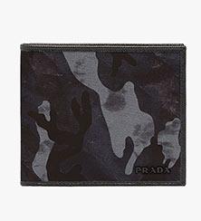 プラダ二つ折り財布3
