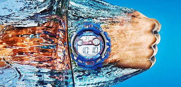 f92b9e69a7 男性】海・プール・休日もコレ1本!おすすめの防水腕時計10選 | メンズ ...